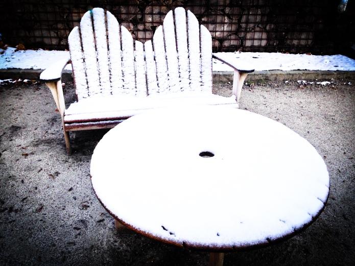 Meubels in de Sneeuw Kruidtuin Leuven Te Voet in de Stad Hendrik Elie Vanden Abeele
