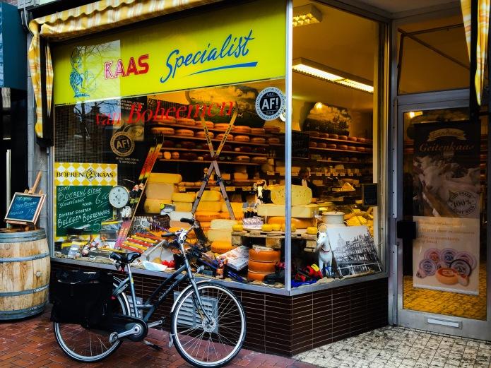 Kaaswinkel Van Boheemen. Te Voet in de Stad. Foto Hendrik Elie Vanden Abeele