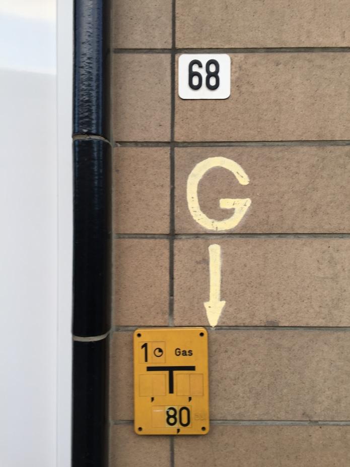 Gasleiding. Te Voet in de Stad. Foto Hendrik Elie Vanden Abeele