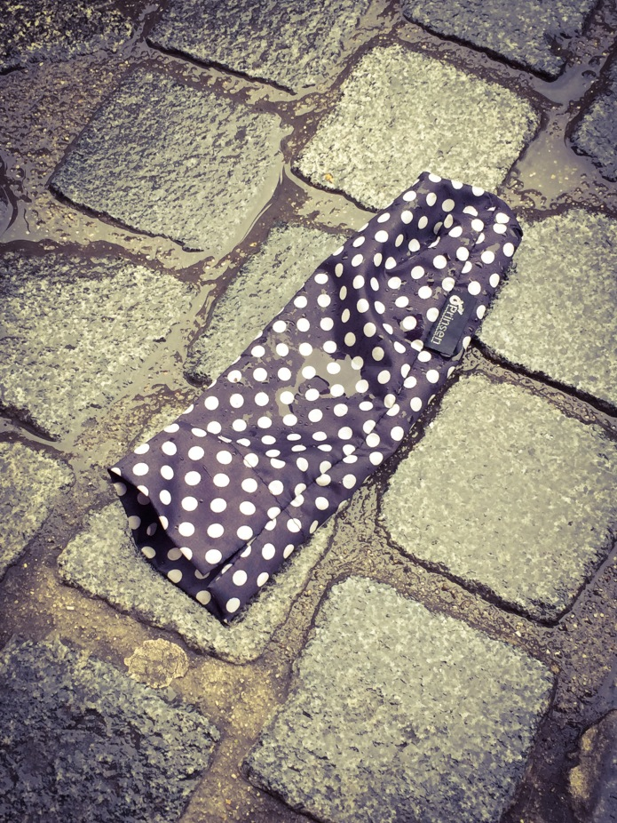 Paraplu. Te Voet in de Stad. Foto Hendrik Vanden Abeele