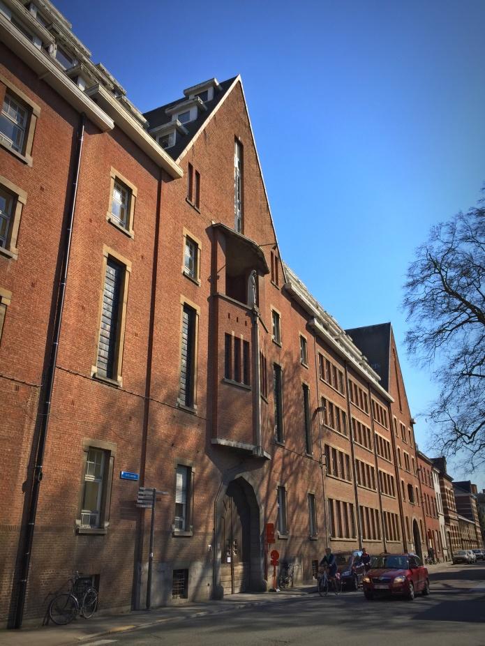 Elisabethinstituut. Te Voet in de Stad. Foto Hendrik Elie Vanden Abeele