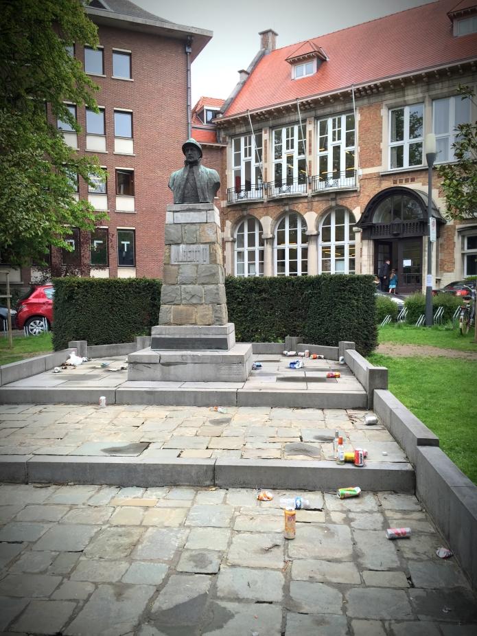Koning Albert. Te Voet in de Stad. Foto Hendrik Elie Vanden Abeele