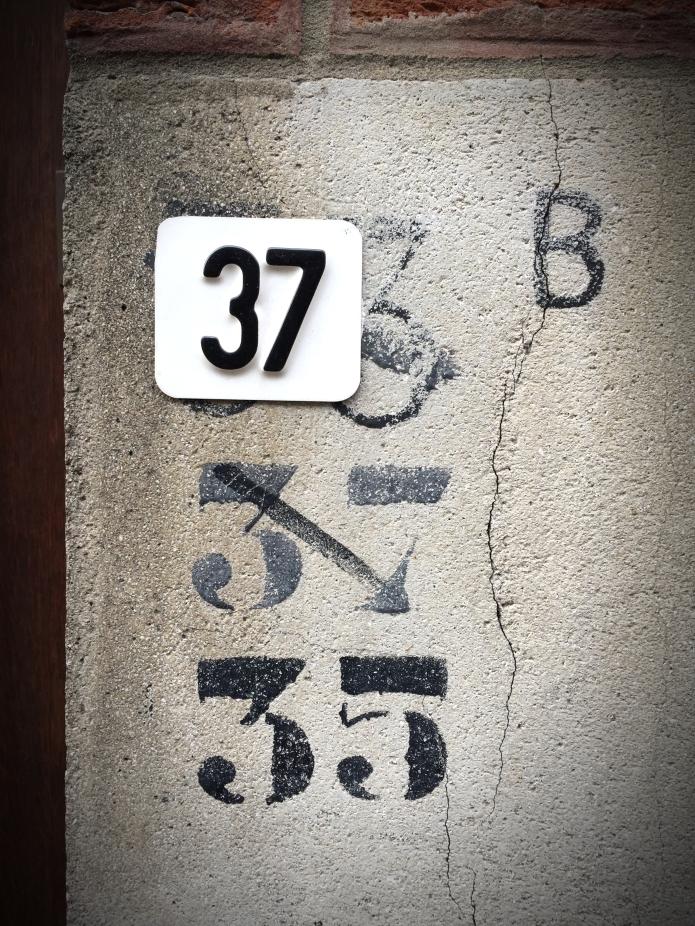 Nummers. Foto Hendrik Elie Vanden Abeele