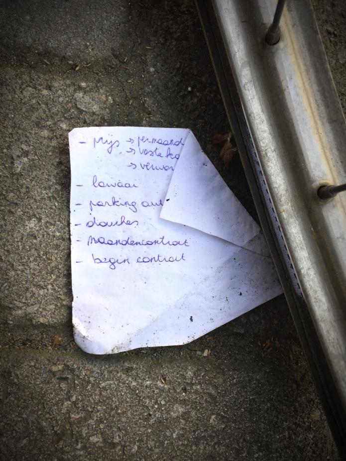 Checklist voor als je op kot gaat. Foto Hendrik Elie Vanden Abeele