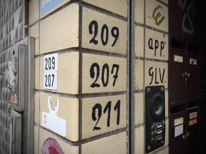 Nummer van het huis. Foto Hendrik Vanden Abeele