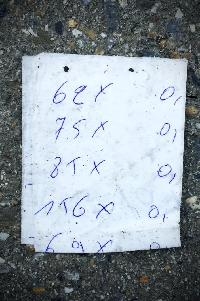 Groundtext #61 Berekeningen. Leuven, Brusselsestraat, 31 januari 2015, Foto Hendrik Elie Vanden Abeele. Te Voet in de Stad