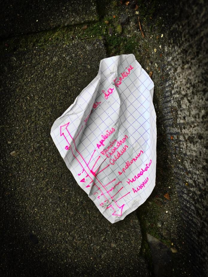 Groundtext #80 Fonteine. Leuven, Sint-Jacobsplein, 8 december 2015, Foto Hendrik Elie Vanden Abeele. Te Voet in de Stad