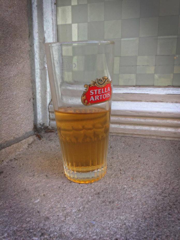 Booz #17. Waar m'n Stella staat. Leuven, Pensstraat, 16 februari 2015. Te Voet in de Stad. Hendrik Vanden Abeele