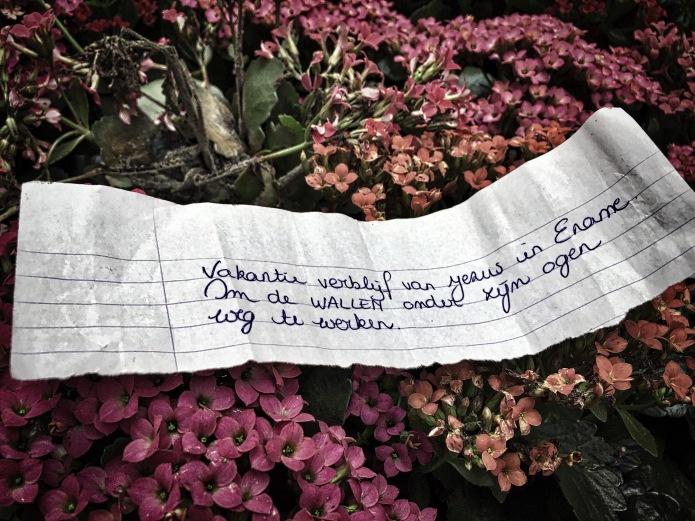 Groundtext #113 Jezus. Ename, Enameplein, 10 oktober 2015, Foto Hendrik Elie Vanden Abeele. Te Voet in de Stad