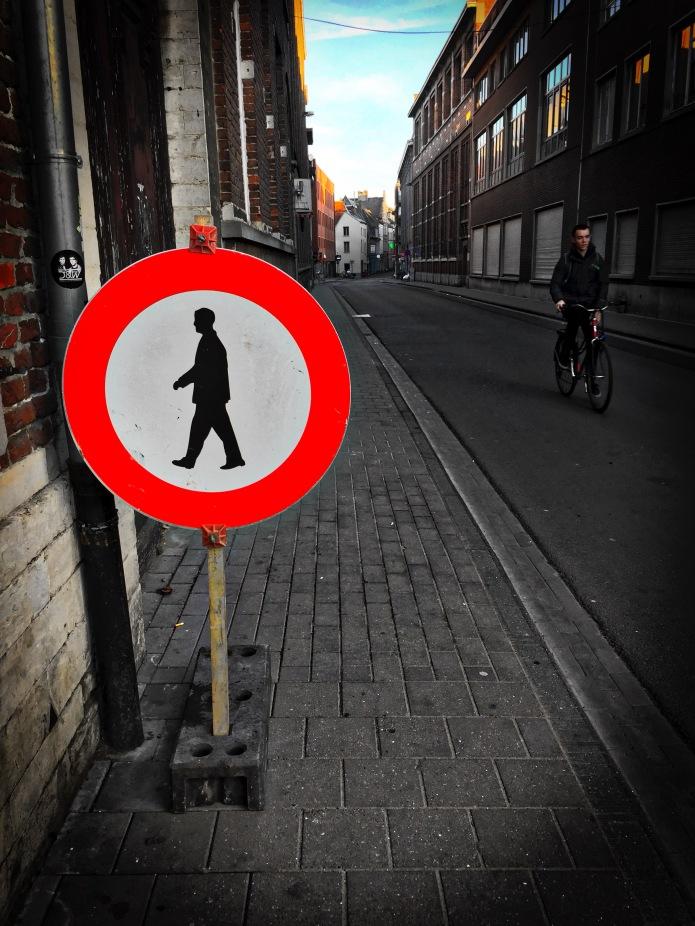 Niet te voet in de Stad. Leuven, Parijsstraat, 31 oktober 2015, Foto Hendrik Elie Vanden Abeele. Te Voet in de Stad