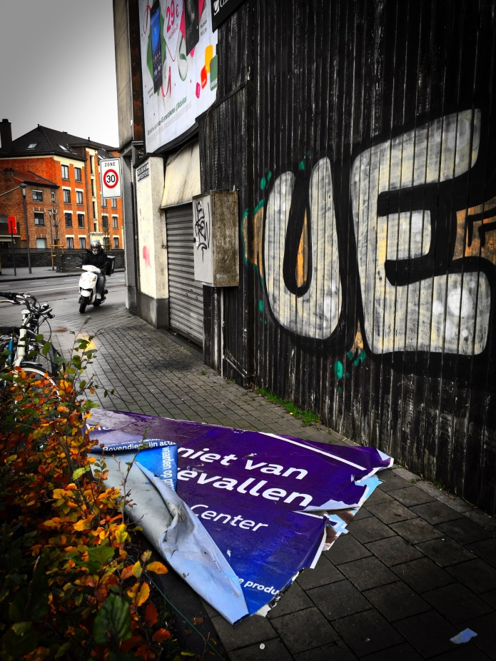 Niet van vallen. Leuven, Kapucijnenvoer, 29 november 2015, Foto Hendrik Elie Vanden Abeele. Te Voet in de Stad