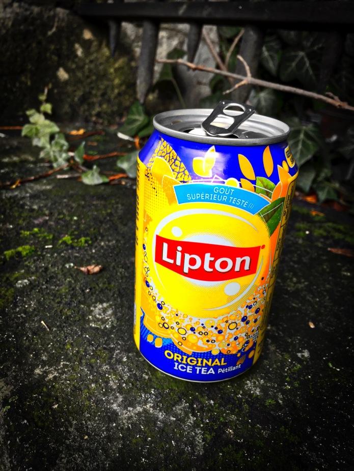 Booz #26 Lipton Original Ice Tea. Leuven, Kapucijnenvoer, 2 februari 2015, Foto Hendrik Elie Vanden Abeele. Te Voet in de Stad