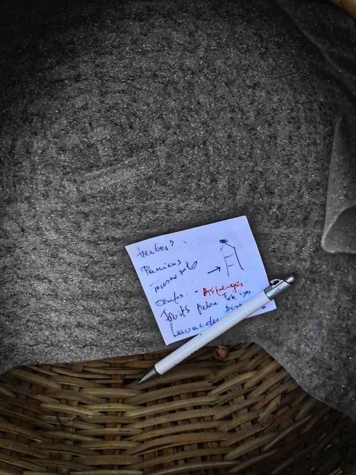 Groundtext #142 Asperges. Heverlee, Prins de Lignestraat, 24 mei 2015, Foto Hendrik Elie Vanden Abeele. Te Voet in de Stad