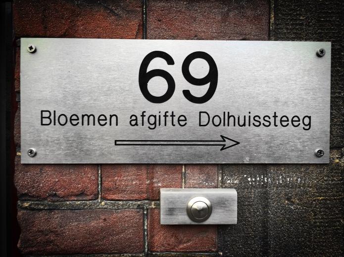 nummertje-trek-69-bloemig-leiden-dolhuissteeg-om-de-hoek-8-februari-2015-te-voet-in-de-stad-hendrik-vanden-abeele