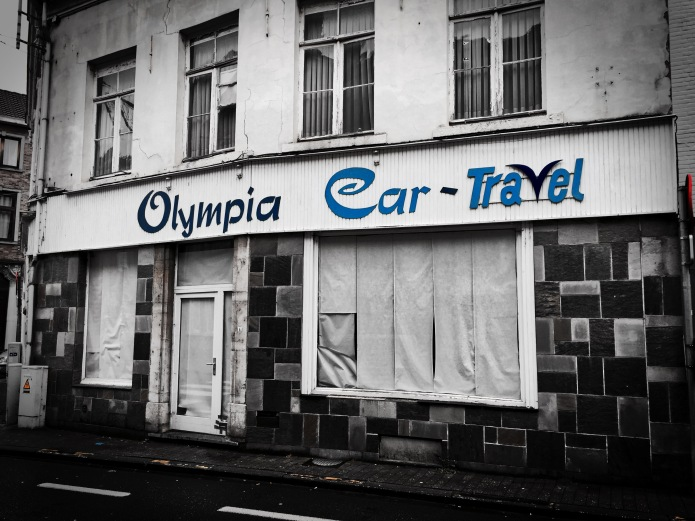 olympia-car-stad-als-winkelcentrum-tienen-minderbroedersstraat-29-november-2015-foto-hendrik-elie-vanden-abeele-te-voet-in-de-stad