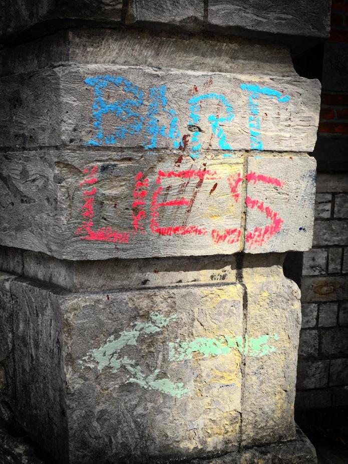 teken-aan-de-wand-74a-leuven-omgeving-minderbroedersstraat-21-augustus-2015-foto-hendrik-elie-vanden-abeele-te-voet-in-de-stad