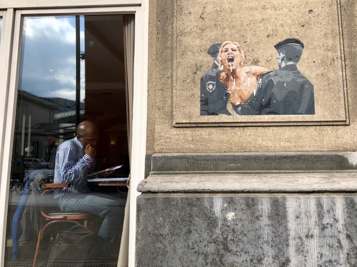 Stilzwijgend Luidkeels Te Voet in de Stad Hendrik Vanden Abeele