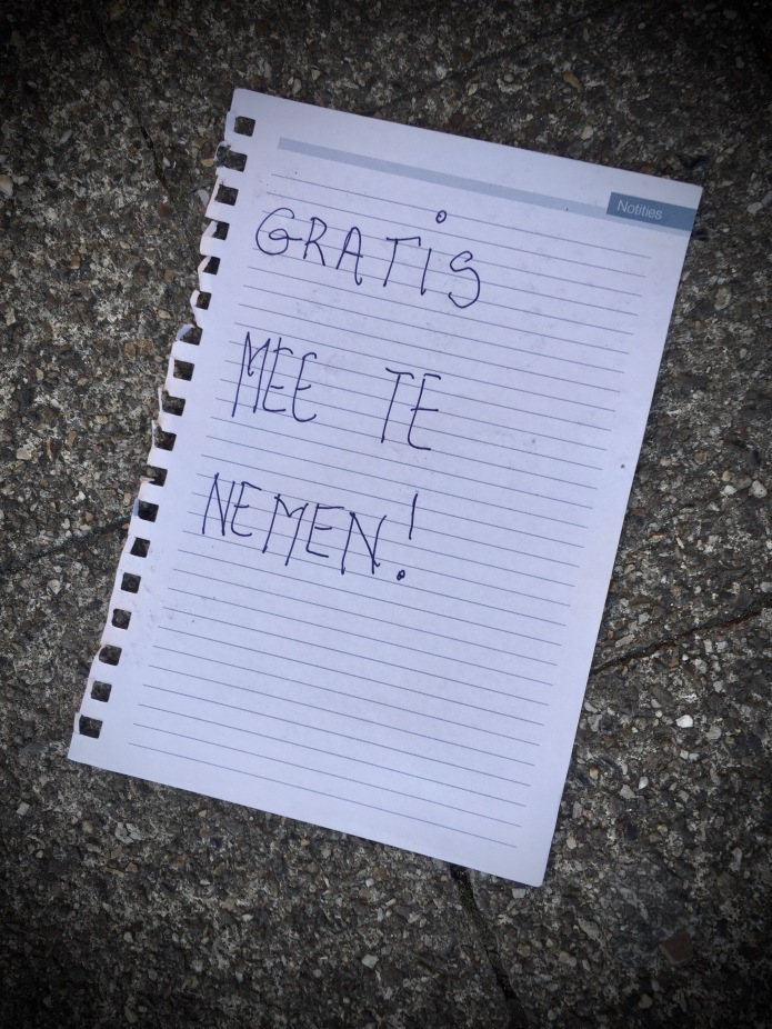 Groundtext #262 Gratis mee te nemen. Heverlee, Naamsesteenweg, 8 oktober 2016. Te Voet in de Stad, Foto Hendrik Elie Vanden Abeele
